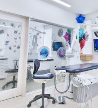 小児歯科専用の診療台